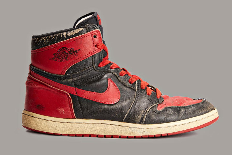 Nike Air Jordan I. La première paire de sneakers interdite en NBA.
